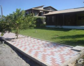 P330 - SIDEWALK AT A RESIDENCIAL CONDOMINIUM